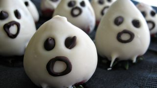 Chocolate Strawberry Ghosts