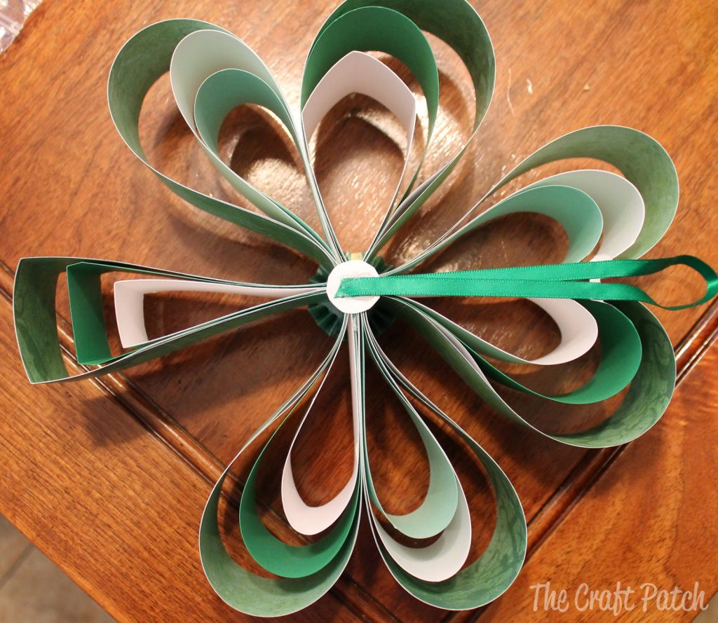 how to make a paper shamrock for St. Patrick's Day