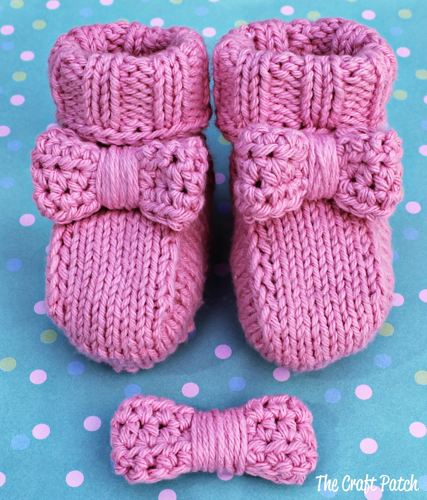 Bitty Bow Baby Booties - thecraftpatchblog.com