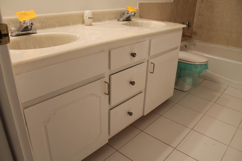 How To Make Dirty Bathroom Grout Look Like New!