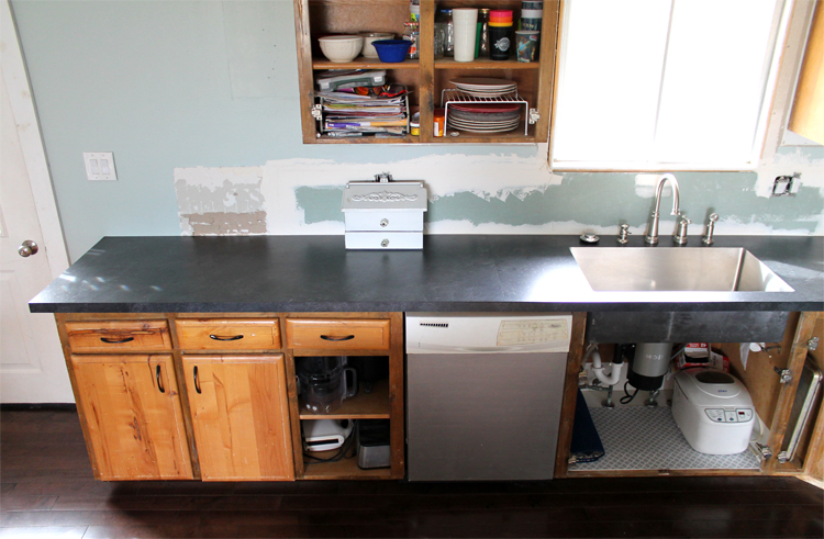 How to DIY Laminate Countertops (It\'ll Save You SO Much Money)