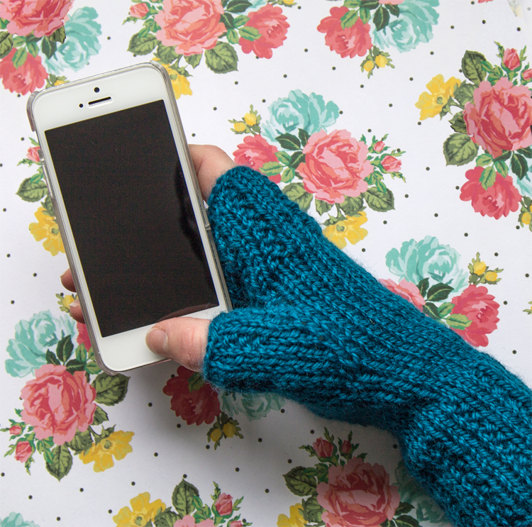 Learn to make these beautiful gloves with this free pattern and tutorial.