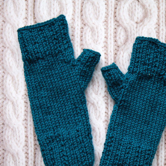Knit gloves free pattern