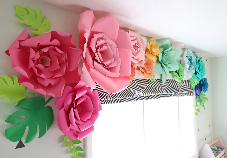 How to Make Paper Flowers - thecraftpatchblog.com