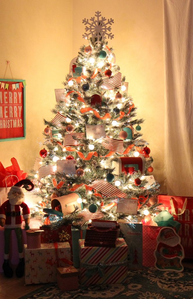 Colorful Christmas Tree Decorating Ideas