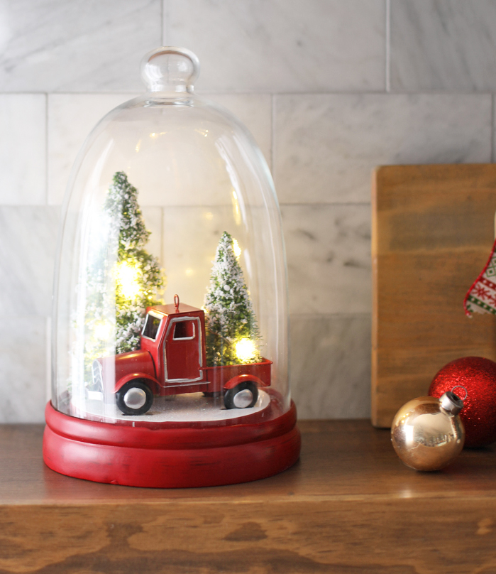 Adorable farmhouse style christmas decor
