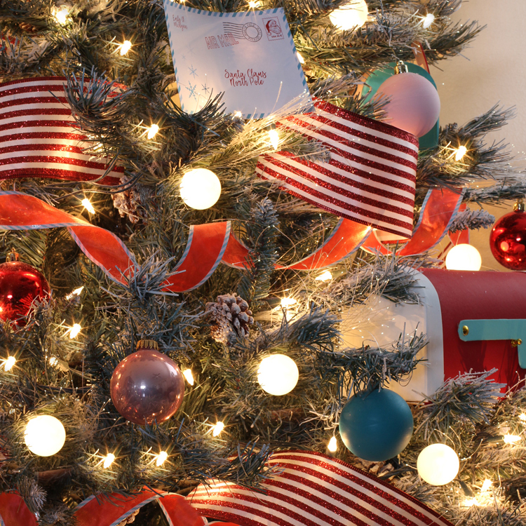 Thrifty Christmas Decorating Ideas