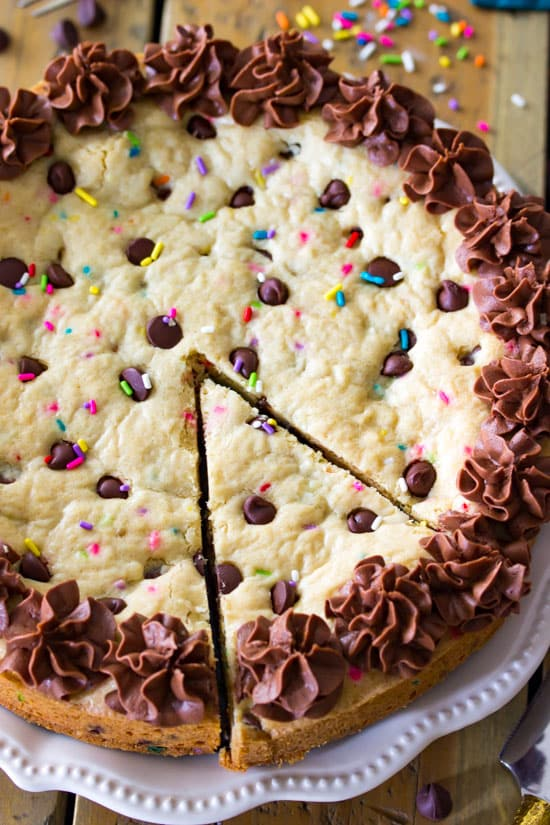 chocokate chip cookie cake