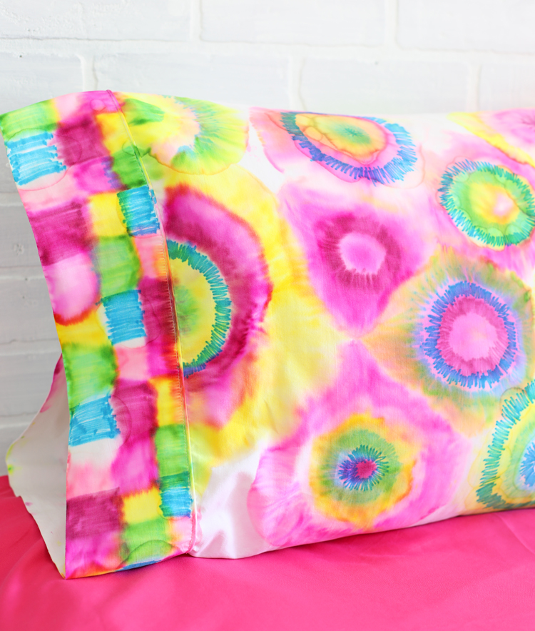 sharpie tie dye pillowcase
