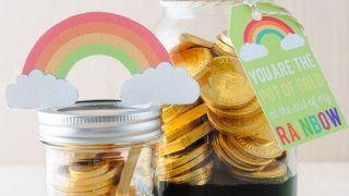 DIY Pot o' Gold Mason Jars