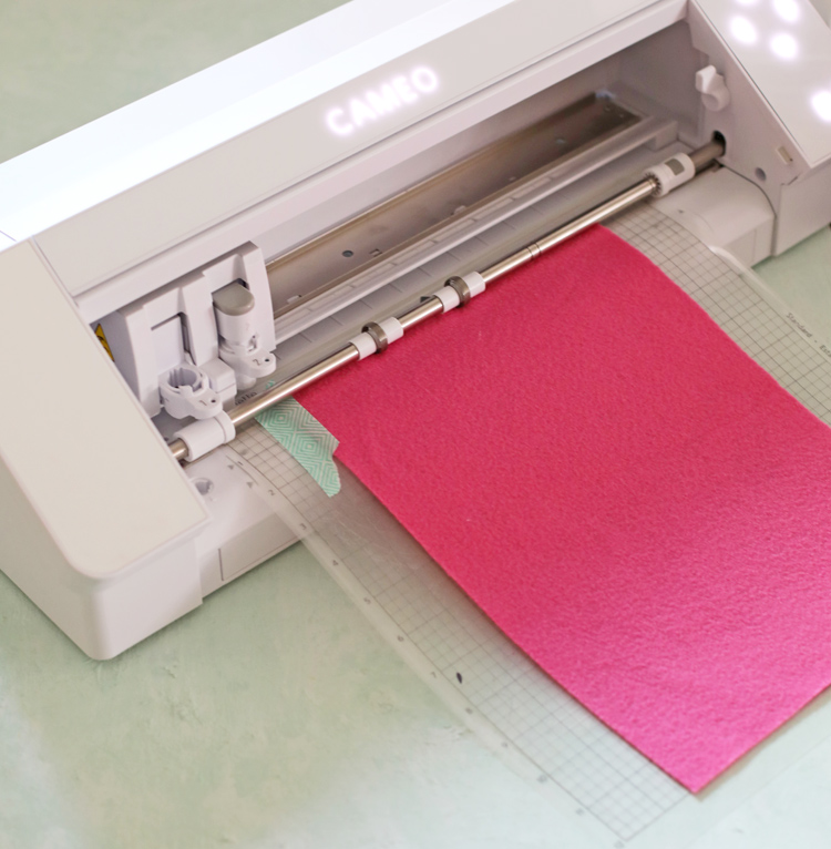 cutting felt with silhouette cameo 4