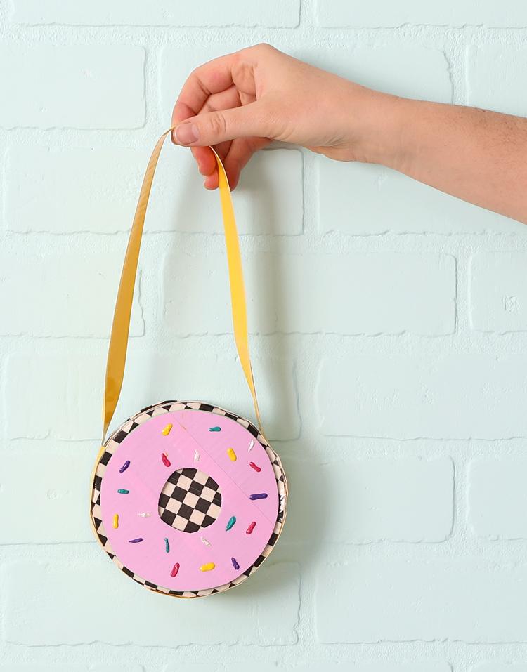 duck tape round purse